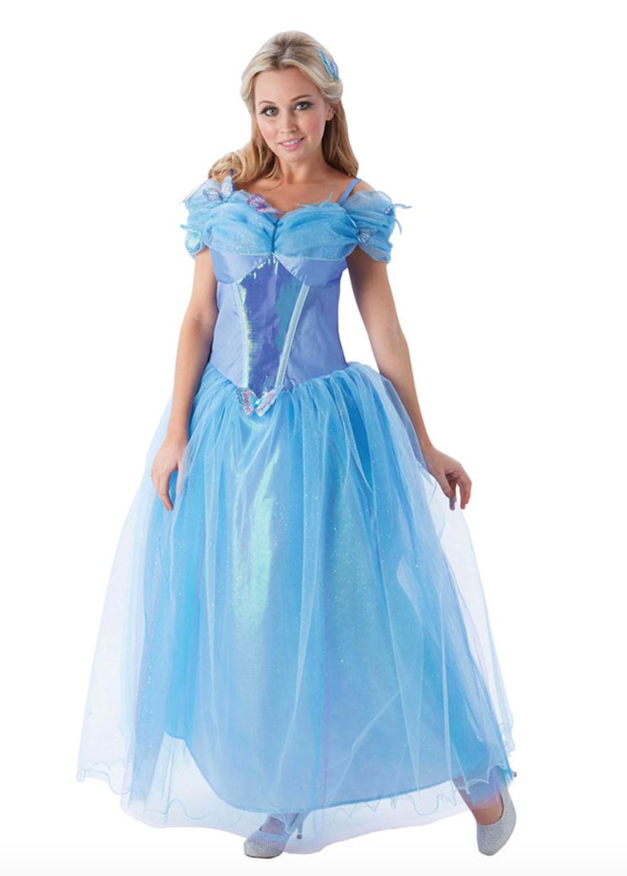 dfe60bde569 Der medfølger også et blåt hårbånd og et par hvide, lange handsker. Find  kjolen hos Partyking.