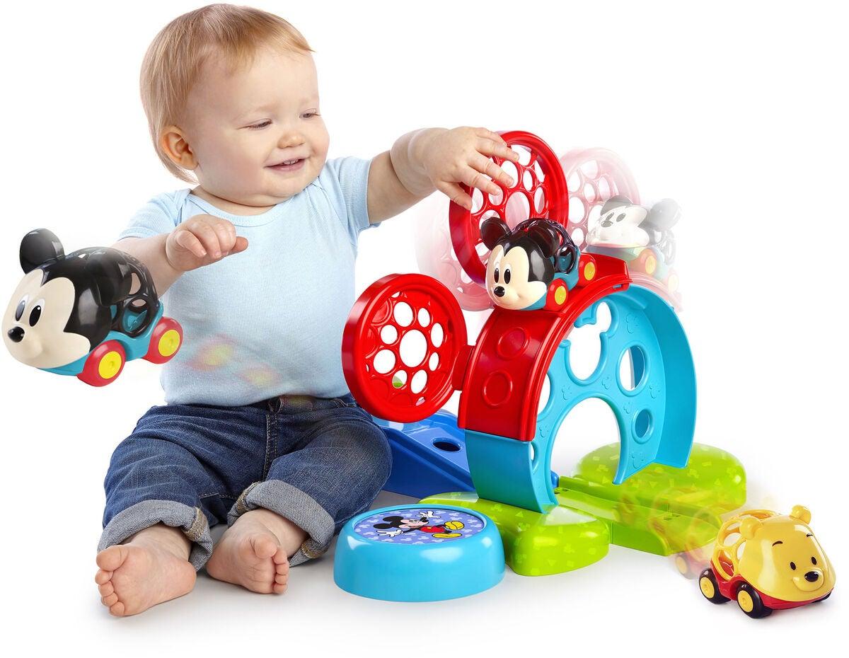 Oball Disney Mickey Mouse Aktivitetslegetøj mickey mouse gaveideer til baby - 10+ Mickey Mouse gaveideer til baby